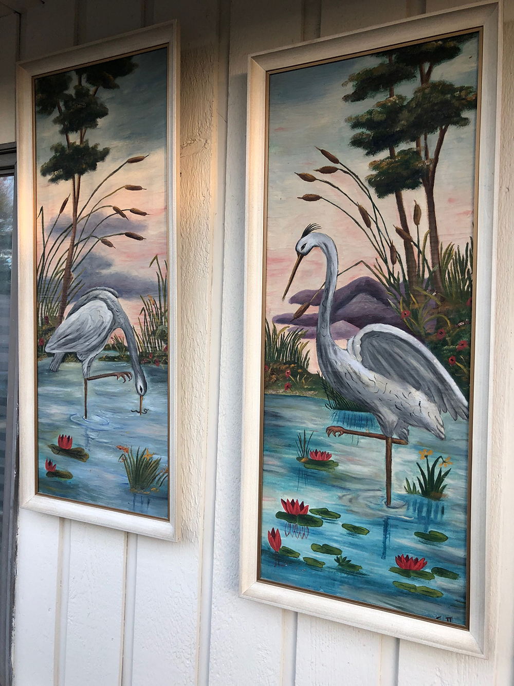 Lot 49: Pair of Swan Oil Paintings on Canvas