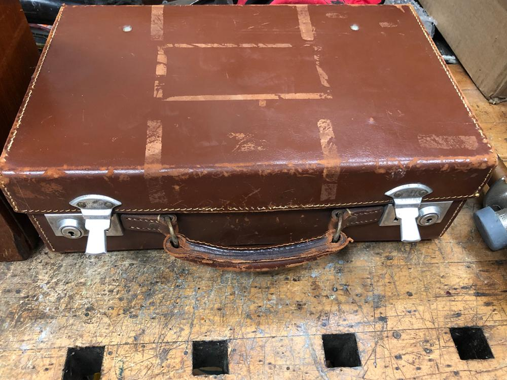 Lot 85: Early Traveling Scale and Weights