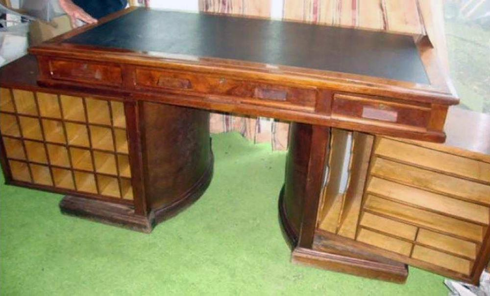 Wooton's Rotary Desk