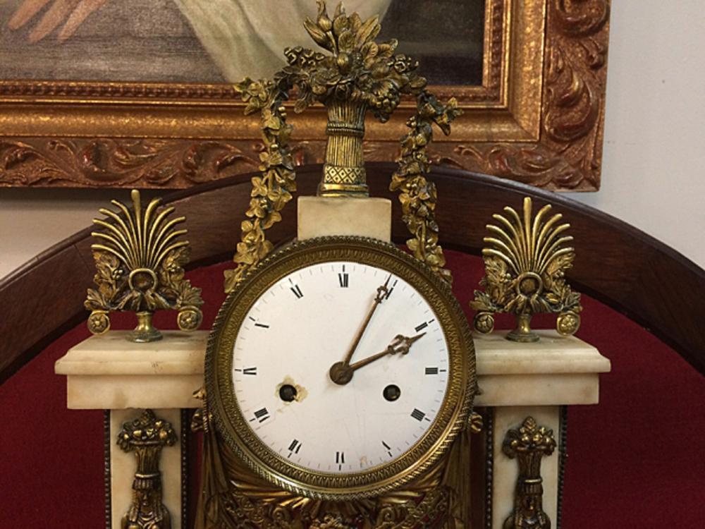 Lot 148: French Portico Clock
