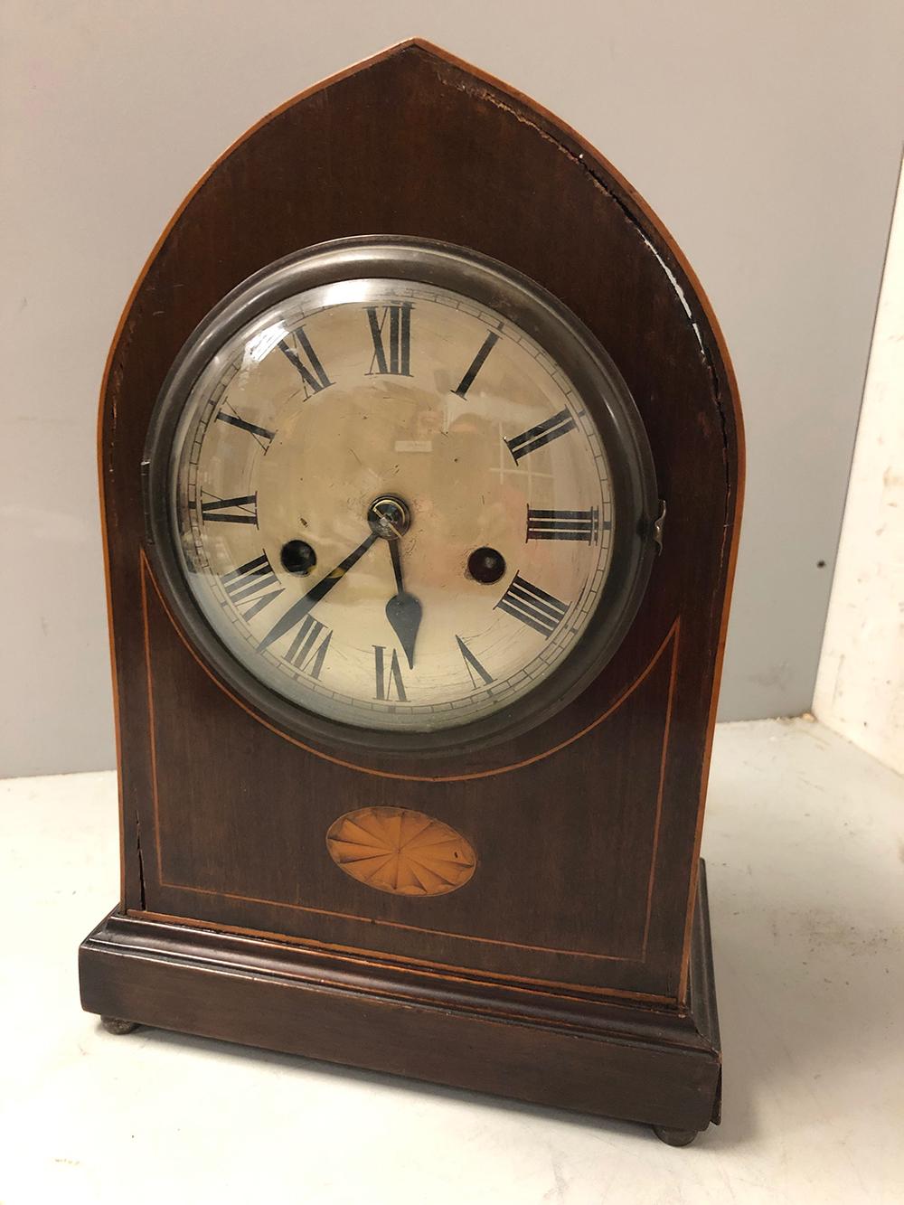 Lot 151: Mantel Clock