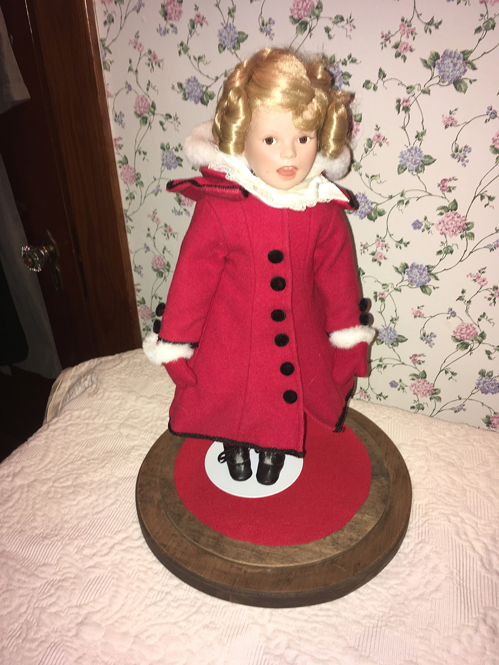 Lot 179: Shirley Temple Dolls