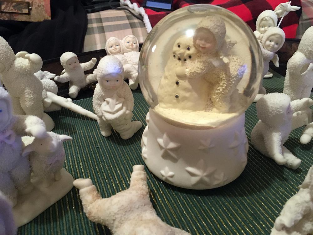 Lot 183: Dept 56 Snowbabies