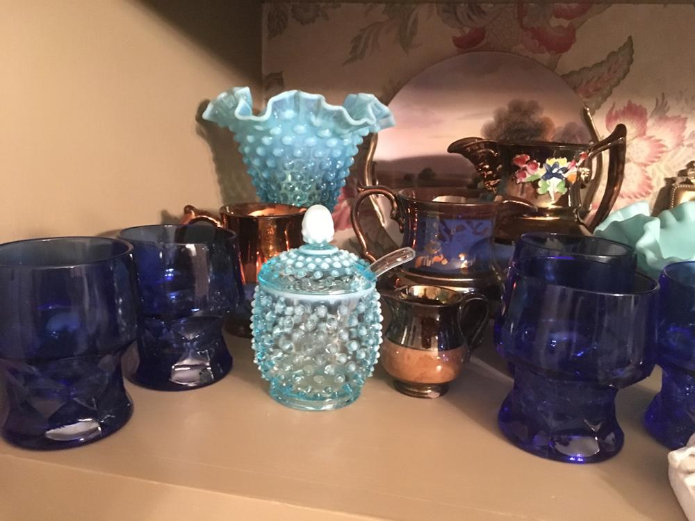 Lot 193: Estate Lot Lusterware, Hobnail Glass