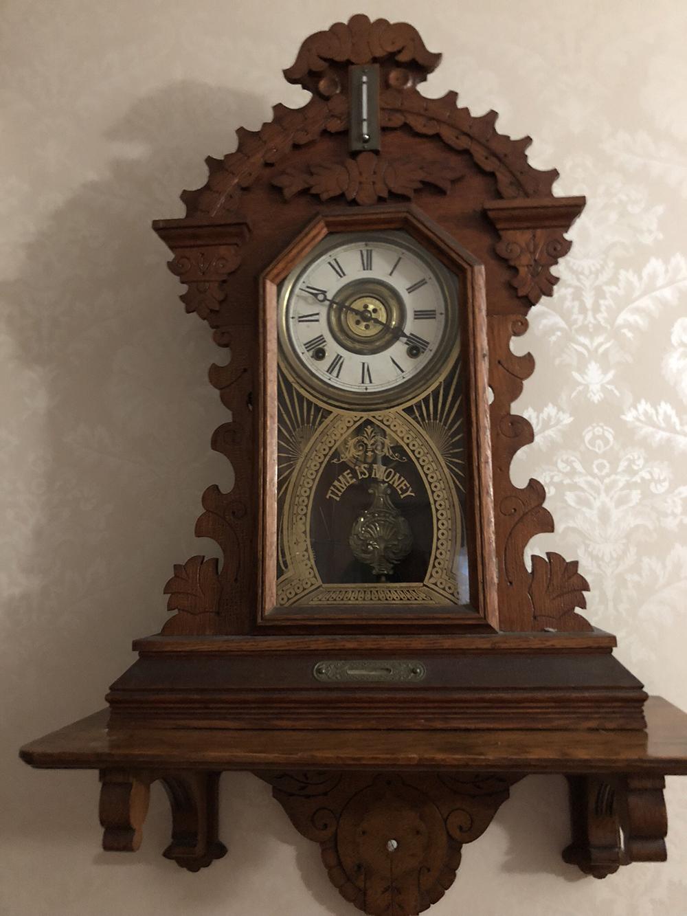 E. Ingraham Gingerbread Clock
