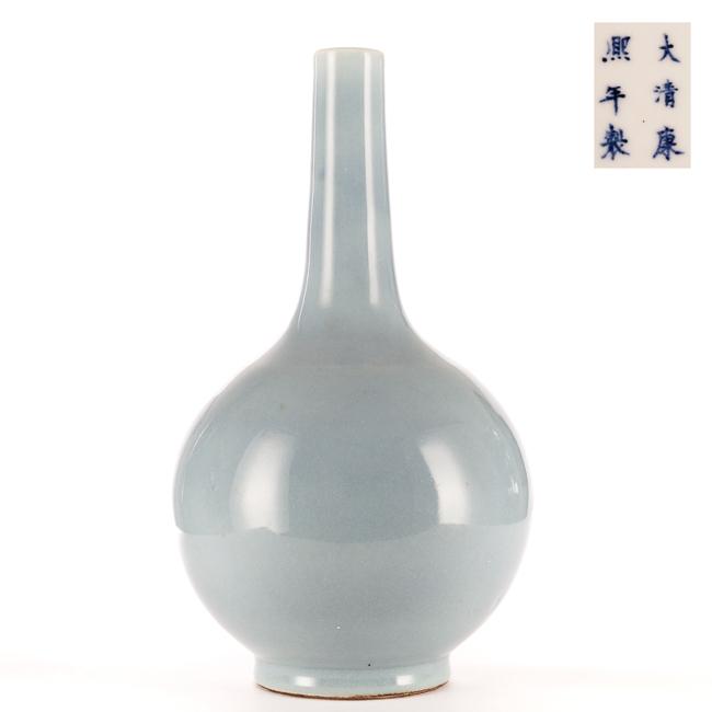 Chinese Antique Lavender-Glazed Porcelain Vase