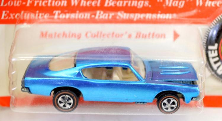Fantastic Redline Hot Wheels light blue Custom Barracuda on blister card