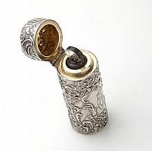 Flacon à sels cylindrique en argent (800/oo) à déc
