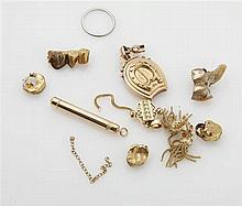 Lot en or jaune 18K (750/oo) comprenant pendentif