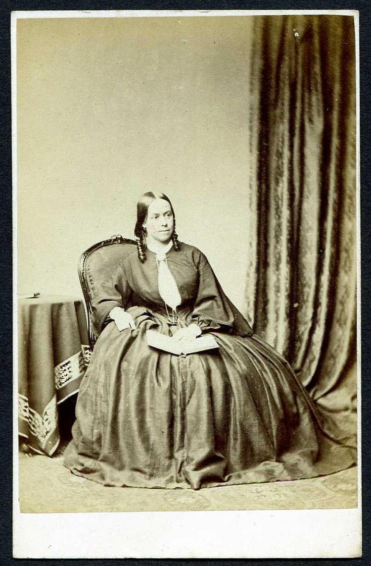Henry Peach Robinson (Photographer 1830-1901) :