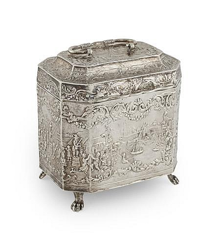 A Continental tea caddy 10cm high 8.7oz