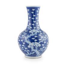 BLUE AND WHITE BOTTLE VASE KANGXI MARK BUT EARLY 20TH CENTURY 38.5cm high