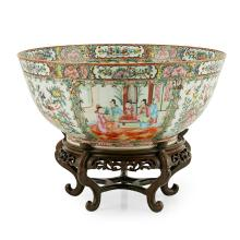 LARGE CANTON FAMILLE ROSE PUNCH BOWL QING DYNASTY, 19TH CENTURY 39.8cm diam