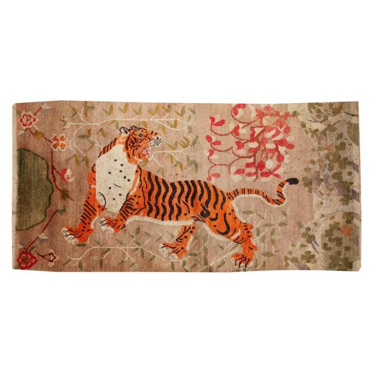 TIBETAN 'TIGER' RUG TIBET, EARLY 20TH CENTURY 172x93cm