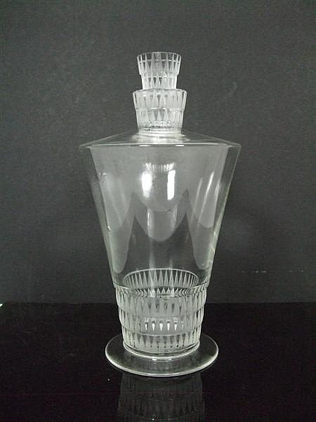 R. LALIQUE 'BOURGUEIL' PATTERN CLEAR AND FROSTED GLASS DECANTER AND STOPPER, INTRODUCED 1930 24cm high