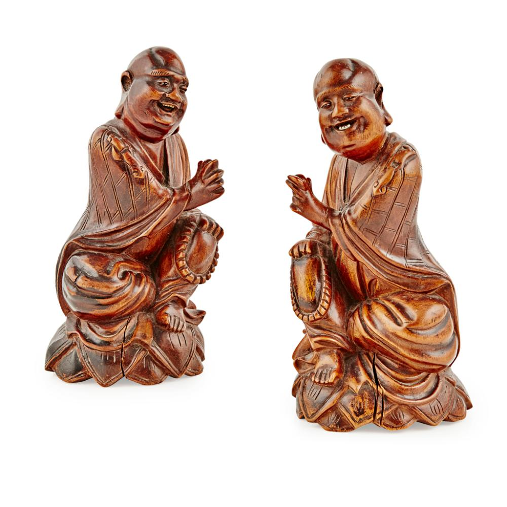 PAIR OF WOODEN FIGURES OF LUOHAN LATE QING DYNASTY 18.5cm high