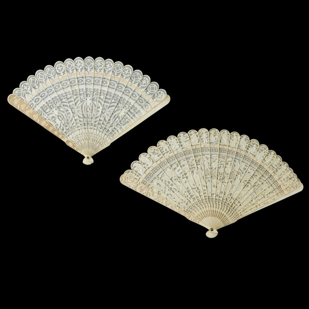 <sup>Y</sup> TWO IVORY BRISÉ FANS QING DYNASTY, 19TH CENTURY largest 34cm wide