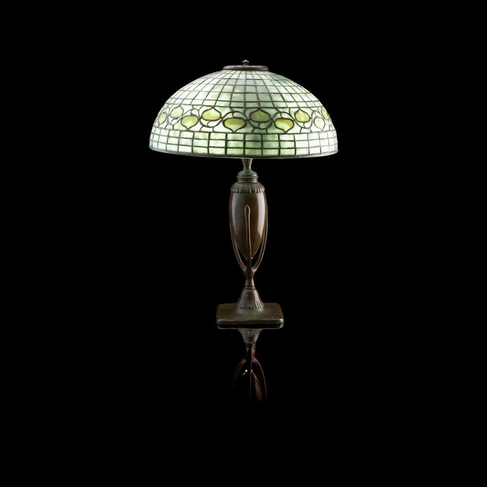 TIFFANY STUDIOS, NEW YORK TABLE LAMP, CIRCA 1900