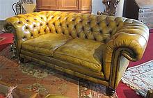 TWO SEATER LEATHER CHESTERFIELD SOFA MODERN 201cm wide, 100cm deep, 82cm high