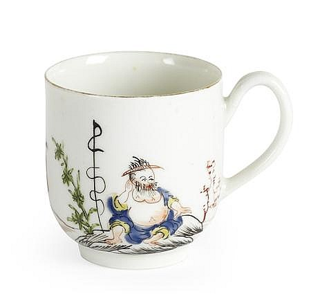 WORCESTER FIRST PERIOD 'JAPAN' PATTERN COFFEE CUP CIRCA 1765 6cm high