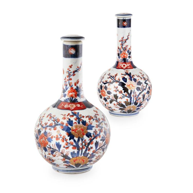 PAIR OF IMARI BOTTLE VASES AND COVERS MEIJI PERIOD 28cm high