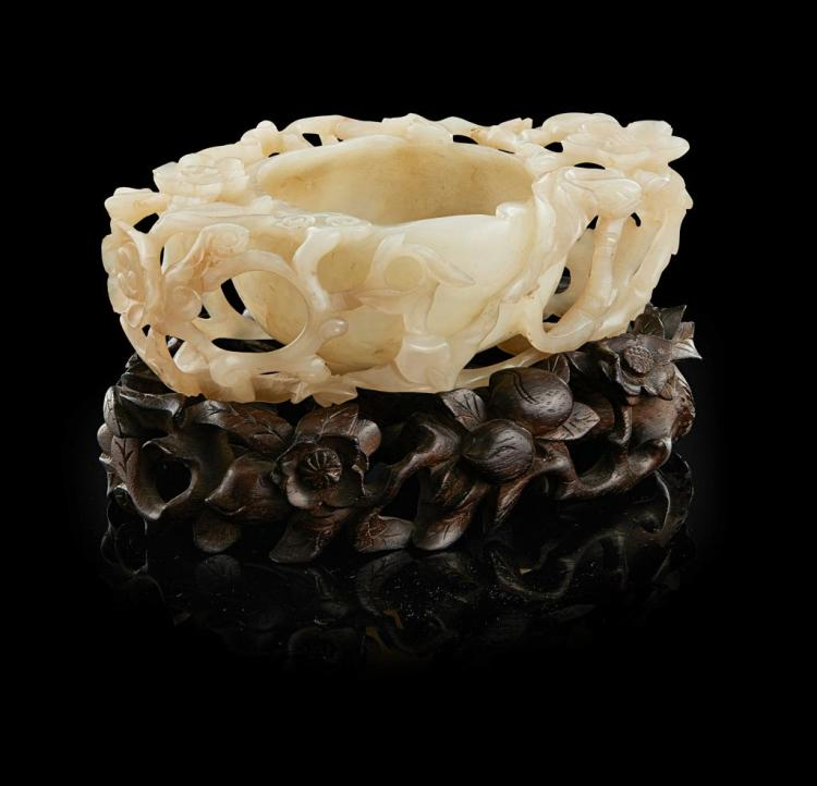 FINELY CARVED CELADON JADE 'PEACH' BRUSH WASHER QING DYNASTY, 18TH/19TH CENTURY 14cm wide