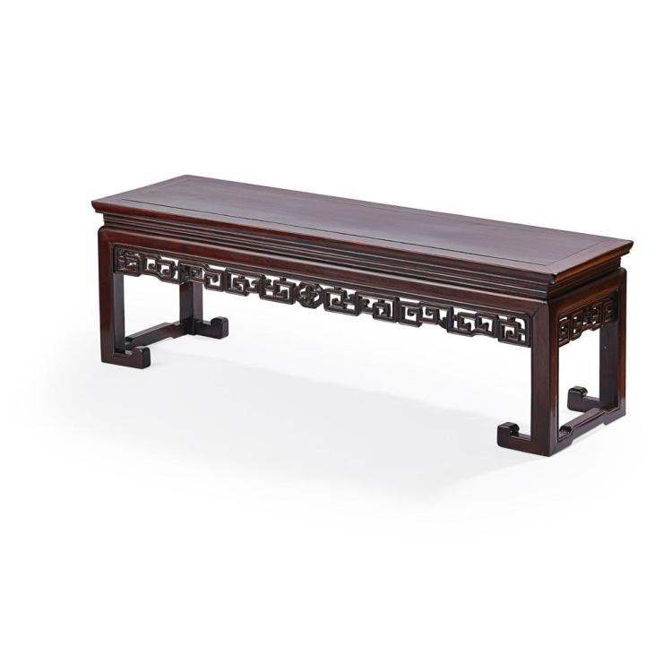 HONGMU LOW TABLE, KANG QING DYNASTY, 19TH CENTURY 35.5cm high, 110cm wide, 32.5cm deep