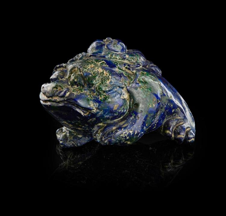 AZURITE CARVING OF THE THREE-LEGGED MONEY TOAD QING DYNASTY, 19TH CENTURY 6cm long