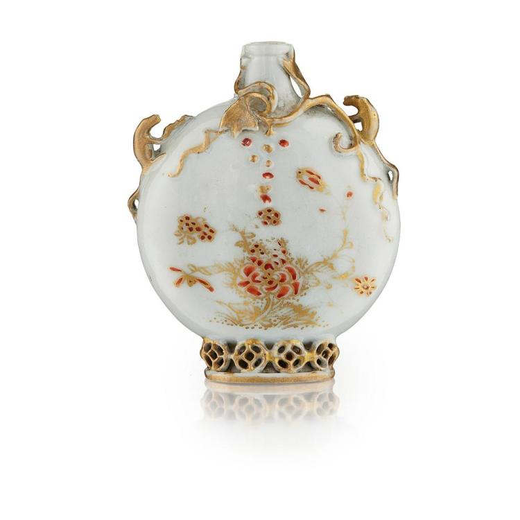 RELIEF-MOULDED AND GILT-DECORATED PORCELAIN SNUFF BOTTLE YONGZHENG PERIOD 5.6cm high