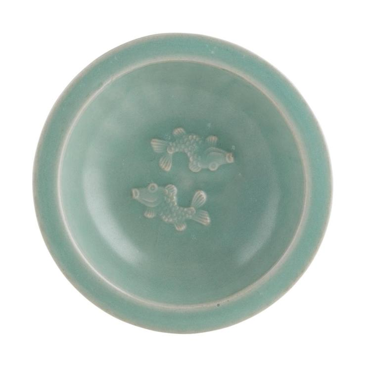 CELADON 'TWIN FISH' DISH SONG DYNASTY 14.2cm diam