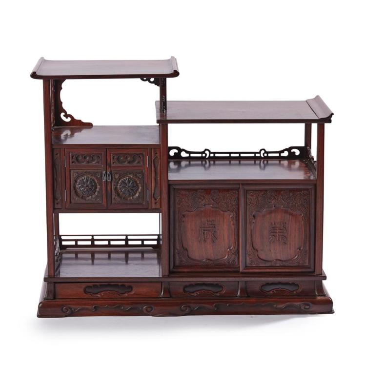 HUANGHUALI AND MIXED WOOD DISPLAY CABINET QING DYNASTY, 19TH CENTURY 55cm high, 67cm wide, 29cm deep