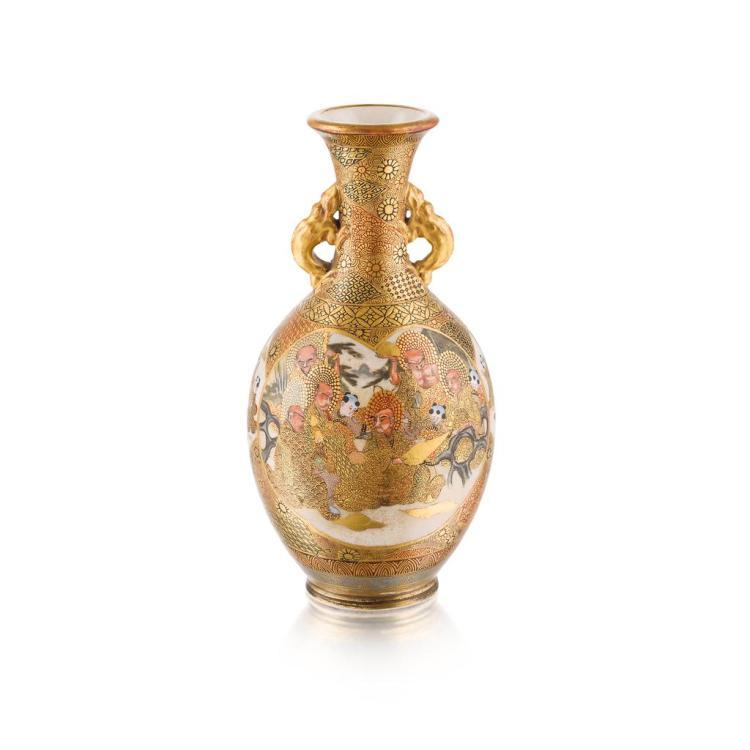 Satsuma vase BY KINZAN, MEIJI PERIOD 19cm high