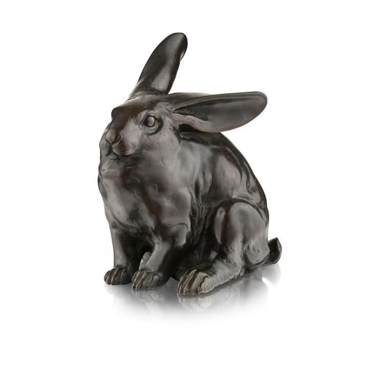 BRONZE MODEL OF A RABBIT SIGNED MORIMITSU, MEIJI PERIOD 19cm high