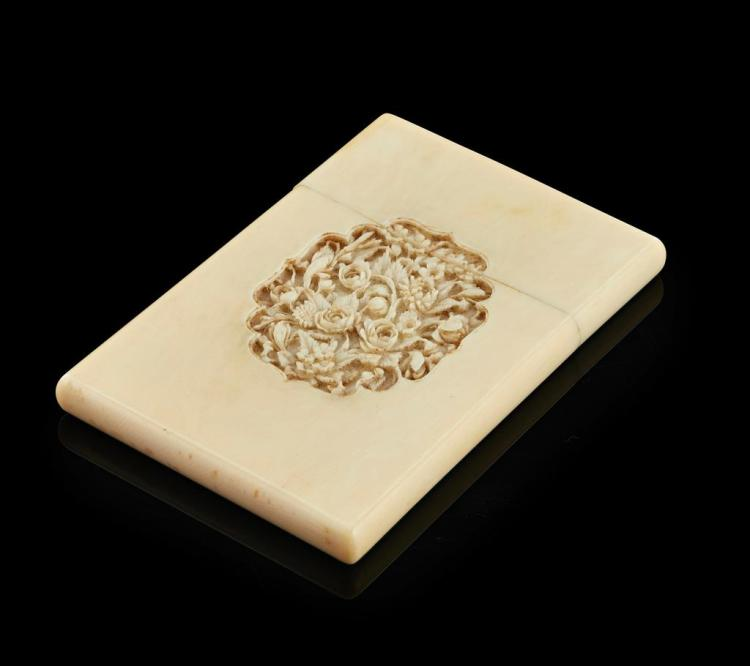 Y CARVED IVORY CARD CASE LATE QING DYNASTY 11.5cm long