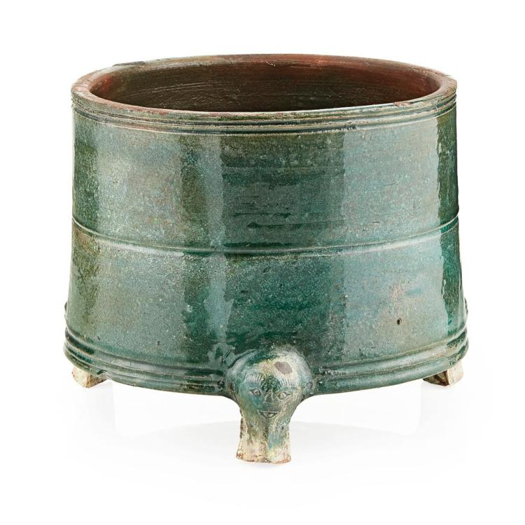 GREEN-GLAZED POTTERY TRIPOD WINE VESSEL WARRING STATES PERIOD 16.5cm high
