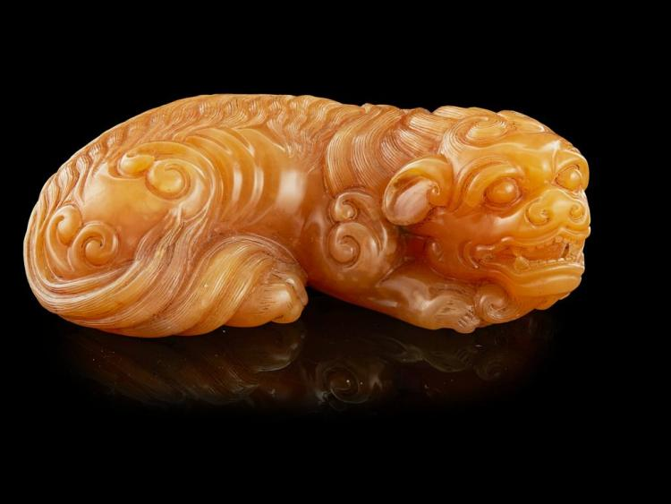 TIANHUANG HARDSTONE CARVING OF A BUDDHIST LION 8.2cm long
