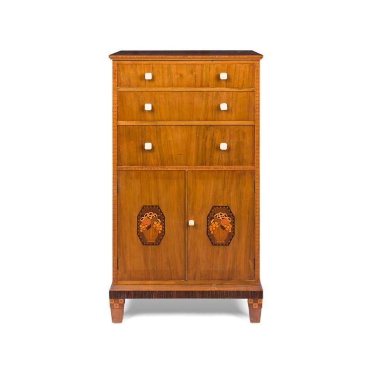 BATH CABINET MAKERS 'GAYLAYDE' BURR WALNUT AND INLAID BEDROOM SUITE, CIRCA 1930