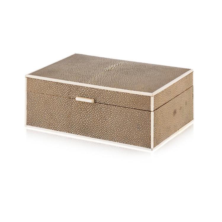 <sup>Y</sup> ART DECO SHAGREEN CIGARETTE BOX, CIRCA 1930 19.5cm x 7cm x 14cm