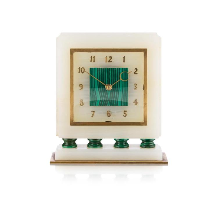 ART DECO WHITE ONYX AND MALACHITE MANTLE CLOCK, CIRCA 1930 19.5cm wide, 21cm high