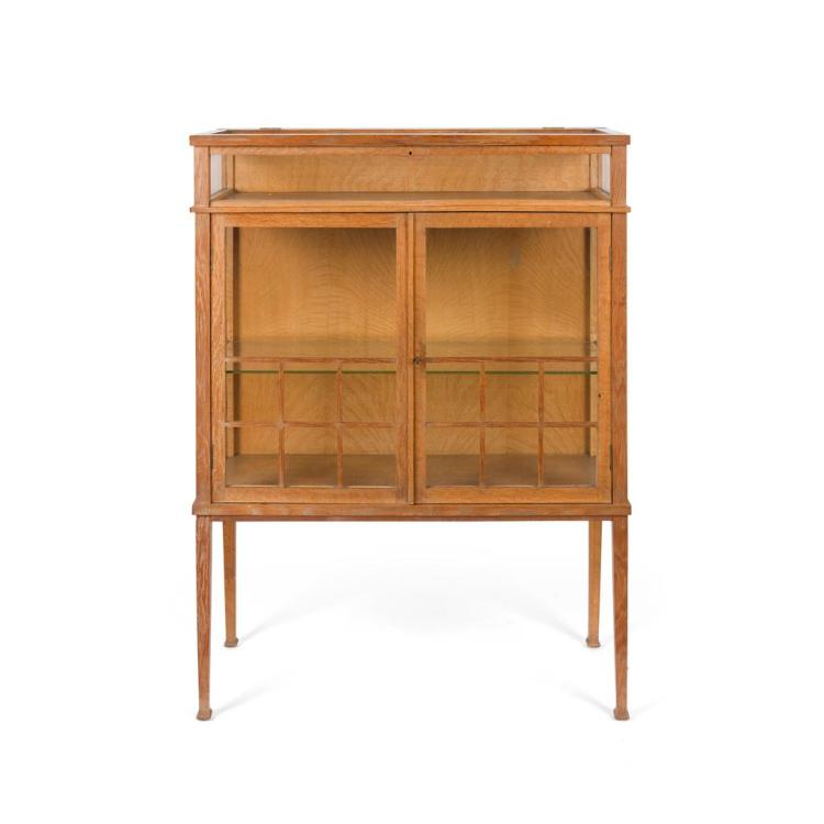 ARTS & CRAFTS OAK FRAMED DISPLAY CABINET, EARLY 20TH CENTURY 93cm wide, 123cm high, 41cm deep
