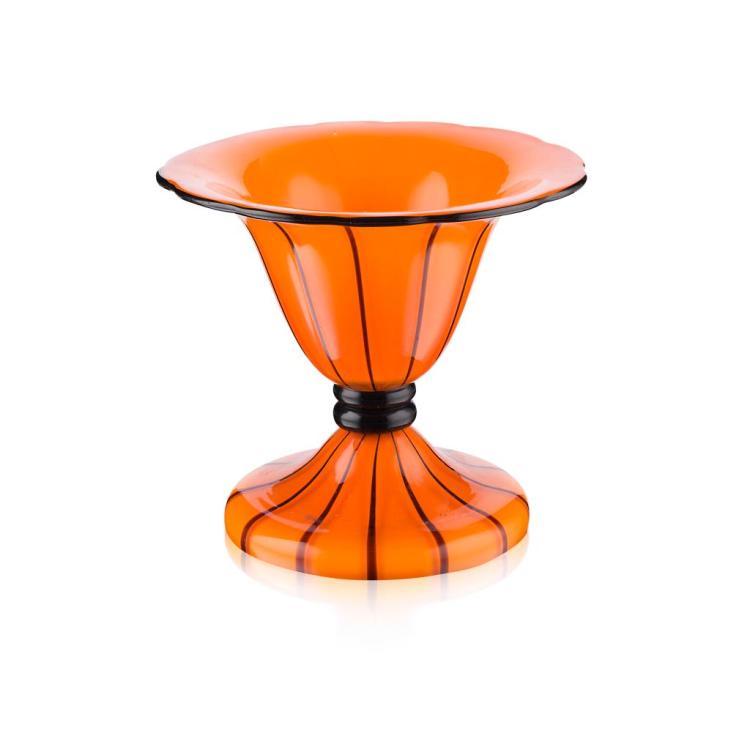 MICHAEL POWOLNY (1871-1954) FOR LOETZ GLASS COUPE, CIRCA 1930 11.5cm high 13.5cm wide at rim