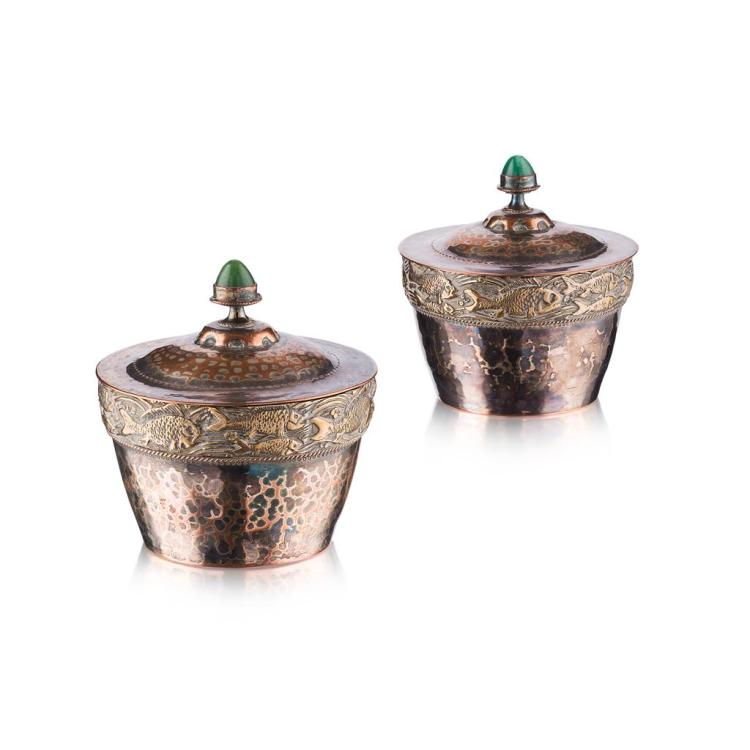 ARTS & CRAFTS PAIR OF PLATED BOXES AND COVERS, CIRCA 1900 10cm diameter, 10cm high