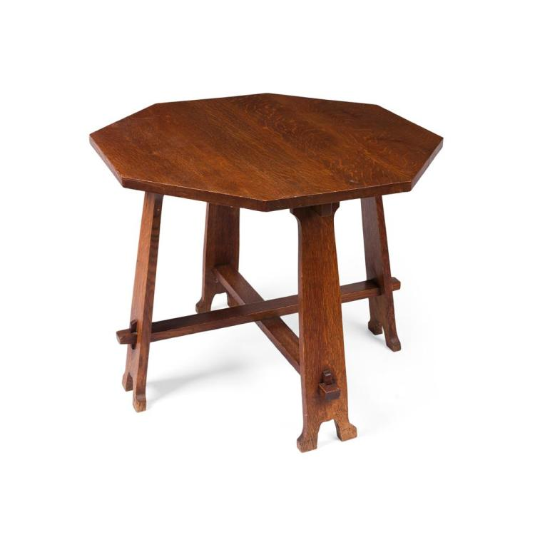 ARTS & CRAFTS OAK CENTRE TABLE, CIRCA 1900 90cm wide, 73cm high, 91.5cm deep