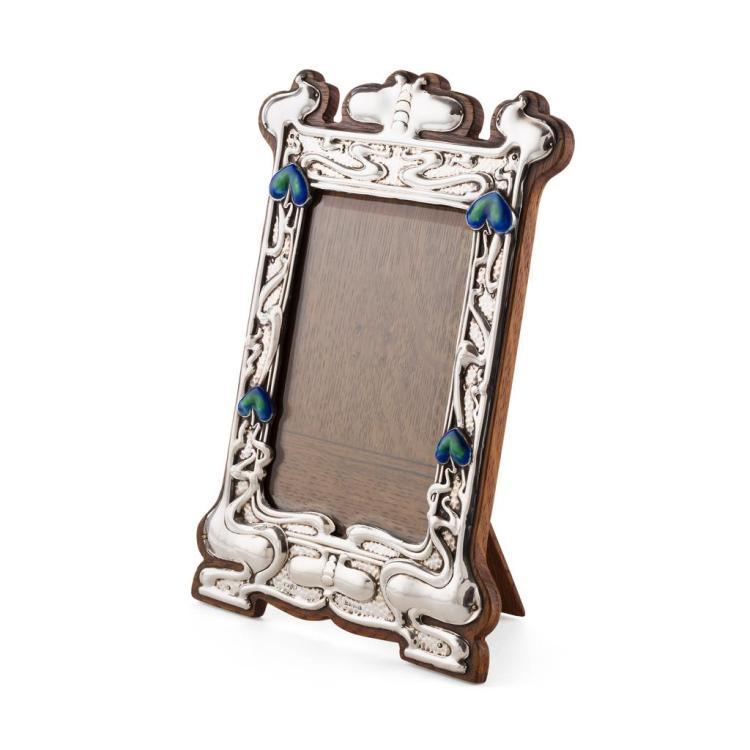 WILLIAM NEALE, MAKER SILVER ART NOUVEAU PHOTOGRAPH FRAME, 1903 23cm x 16cm
