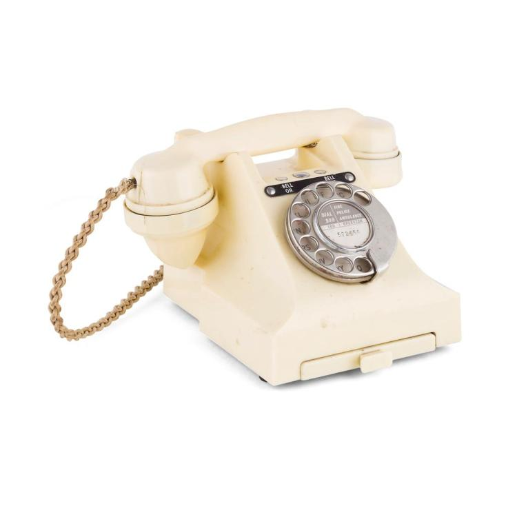 GPO IVORY BAKELITE TELEPHONE, MODEL 300, 1950S 22.5cm wide, 14cm high, 18cm deep