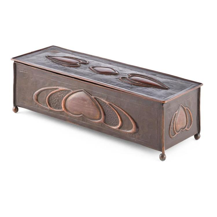 ATTRIBUTED TO TALWIN MORRIS GLASGOW STYLE ART NOUVEAU COPPER JEWELLERY BOX, CIRCA 1900 33cm x 9.5cm x 11.5cm