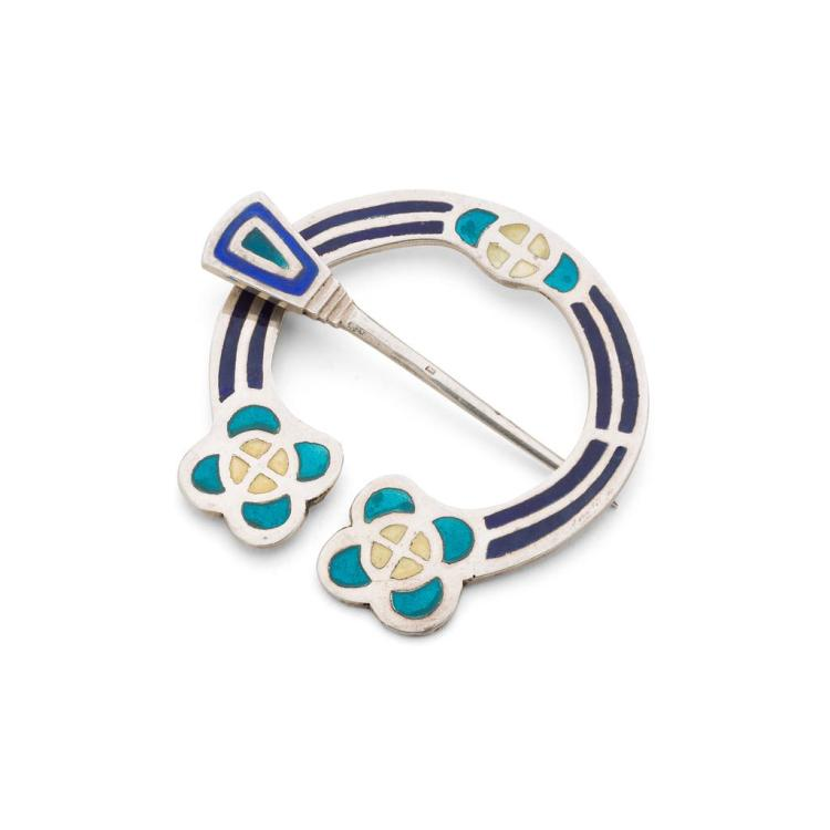 ALEXANDER RITCHIE (1856-1941), IONA SILVER AND ENAMEL PENANNULAR BROOCH, 1938 5.5cm diameter