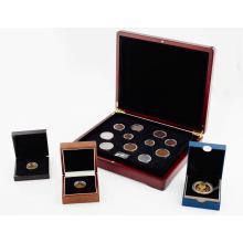 G.B. - A silver gilt proof £5 coin