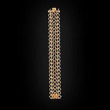 A contemporary gold bracelet Length: 19.5cm