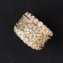 A diamond set ring Ring size: N